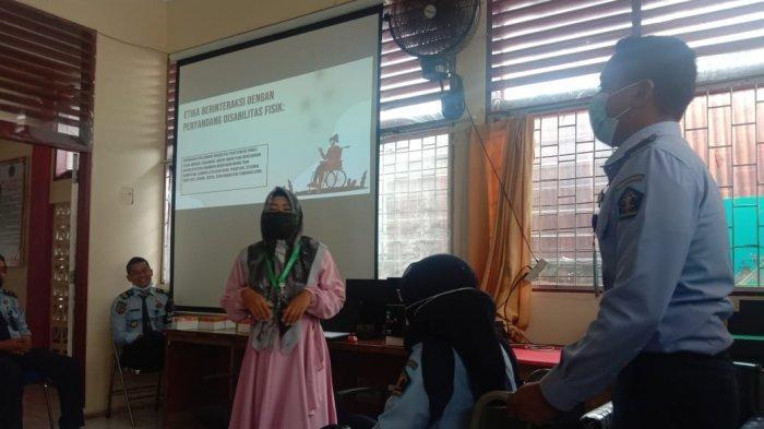 Bapas Padang Gelar Edukasi Interaksi dengan Klien Disabilitas, Hadirkan Ketua HWDI Sumatera Barat