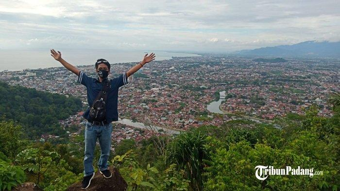 Bukit Matoa Dilirik untuk Spot Foto Instagramable di Kota Padang, Takjub Menikmati Panorama Alam