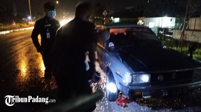 Lubang di Jalan By Pass Kota Padang Mengundang Risiko, Bikin Ban Mobil Pecah dan Velg Patah