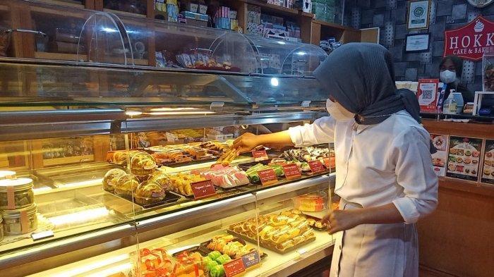 HUT Ke-76 RI, Hokky Cake and Bakery Hadirkan Kue Nuansa Merah Putih