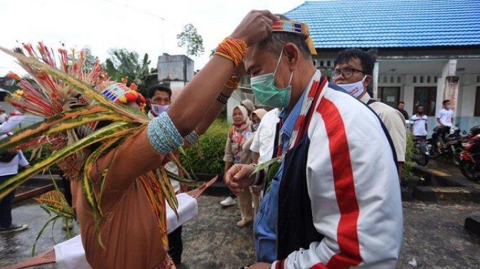 Nasrul Abit Akan Bangun Pabrik Pengolah Pisang di Kepulauan Mentawai