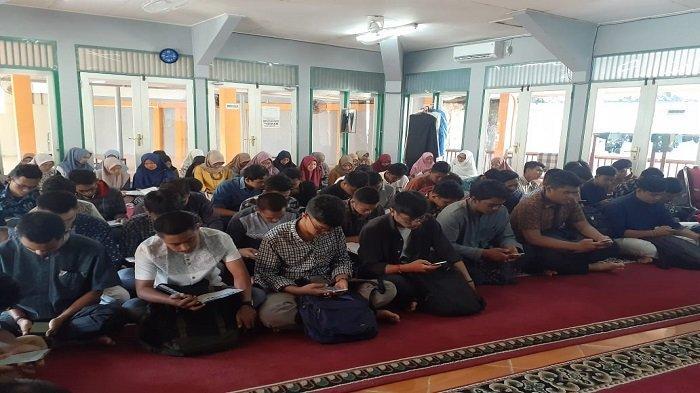 Semarak Jumat Berseri di Masjid Kampus Proklamator 3 FTI Universitas Bung Hatta