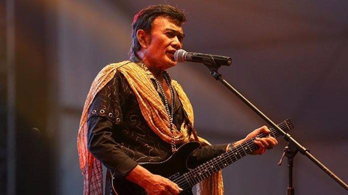Chord Kunci Gitar Jatuh Cinta - Rhoma Irama, Lirik Lagu: Kudengar Kau Sedang Jatuh Cinta