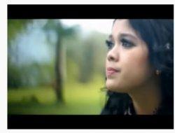 Chord Lagu Minang Aia Mato Mandeh - Ratu Sikumbang: Sampai hati ayah bajalan Larek di ladang urang