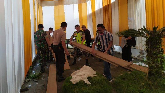 Cegah Corona Petugas Hentikan Persiapan Resepsi Warga di IV Koto Agam Walau Sudah Pasang Tenda