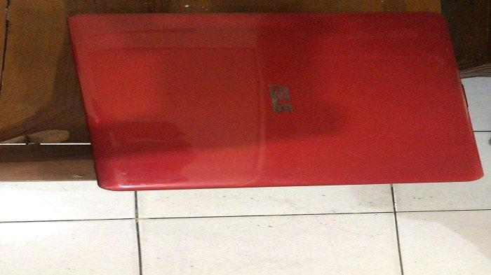 2 Terduga Pencuri Laptop Warna Merah Diringkus di Simpang Enam Tepi Laut, Kota Padang