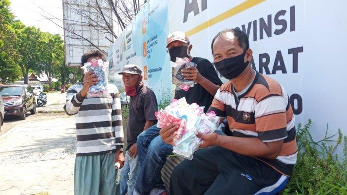 Pedagang Masker di Kota Padang Sempat 'Panen', Kini Penjualan Mulai Merosot