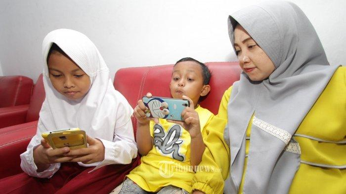 Tips Menghindari Anak Agar Tidak Selalu Bermain Gadget, Jangan Perkenalkan Anak Dengan Gadget