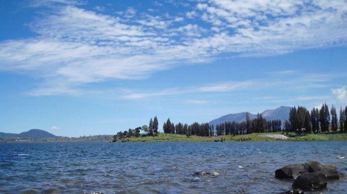 VIRAL Fenomena Alam Waterspout di Danau Diatas Kabupaten Solok, Ini Penjelasan BMKG