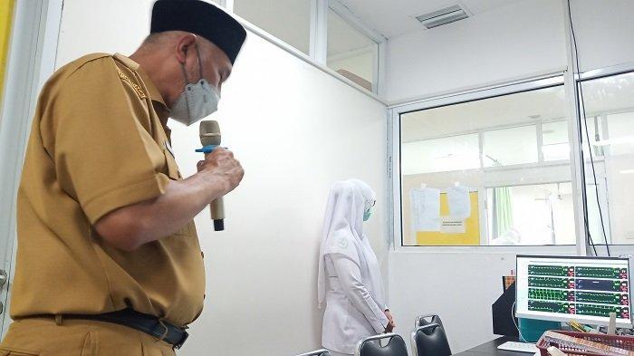 Gubernur Sumbar Mahyeldi Doakan Pasien Covid-19, Sambangi Langsung ke RSUP M Djamil Padang