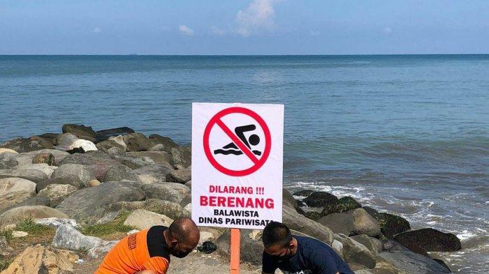 Tujuh Titik Rawan di Pantai Padang Dipasang Tanda Peringatan Larangan Berenang