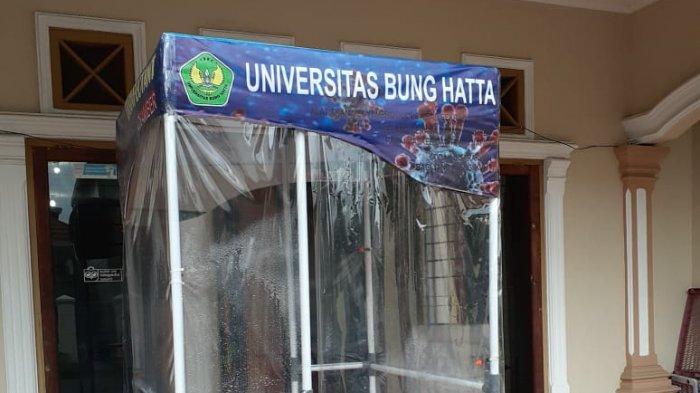 Ilustrasi: Bilik disinfektan bantuan Universitas Bung Hatta untuk RSUP M Djamil Padang, Provinsi Sumatera Barat (Sumbar) belum lama ini.