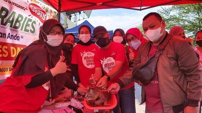 Gerakan Bebas Rabies di Kota Padang, 2500 Hewan Divaksin Rabies secara Gratis