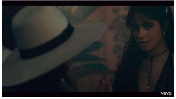 DOWNLOAD Lagu 'Senorita' Shawn Mendes feat Camila Cabello, Cek Lirik dan Terjemahan MP3 Senorita