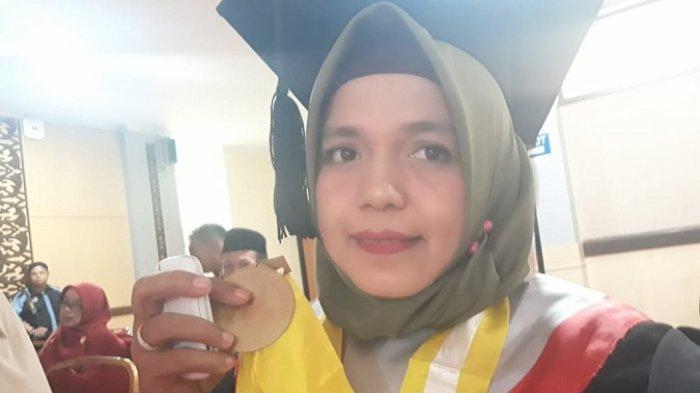 POPULER PADANG - Dr Molli Wahyuni, Lulusan Terbaik UNP| UPDATE Kasus Corona di Padang