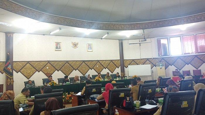 Komisi 1 DPRD Padang Kumpulkan Seluruh Camat, Pertanyakan Dana Alokasi Umum