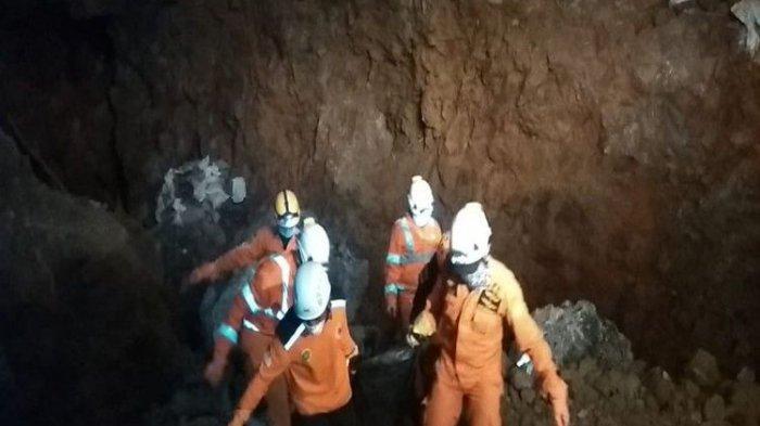 Tim SAR Evakuasi Delapan Kantong Jenazah Penambang Emas