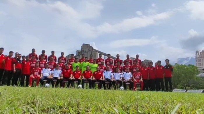 Tim Semen Padang FC Bertolak ke Palembang, Lakoni Laga Perdana Grup A Liga 2 Musim 2021
