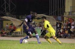 Semen Padang FC Tertinggal Akibat Gol Bunuh Diri, Babak Pertama Madura United Memimpin