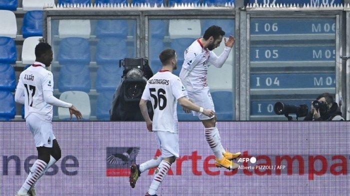 PREDIKSI Spezia vs AC Milan, Kick Off Minggu Pukul 02.45 WIB, Menanti Hakan Calhanoglu Jadi Starter