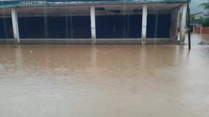 Hujan Deras Landa  Kota Padang, BPBD Imbau Waspada di Daerah Langganan Banjir