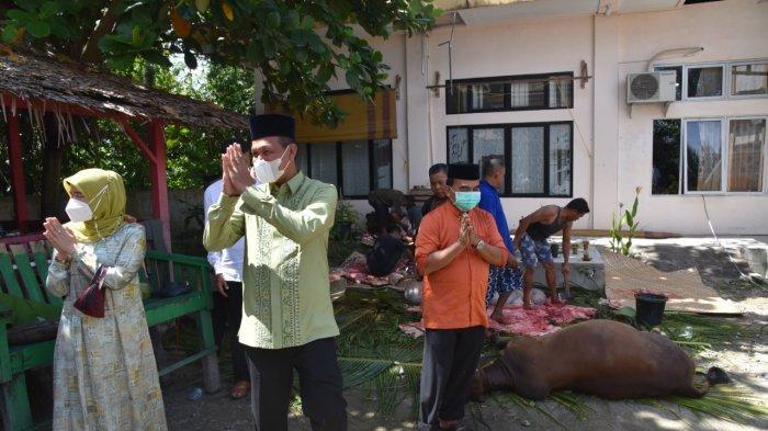 Wako Genius Umar dan Istri Tinjau, Penyembelihan Hewan Kurban di Disdikpora Kota Pariaman
