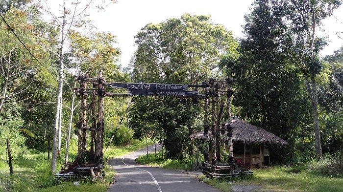 Gerbang masuk Lawang Park Adventure