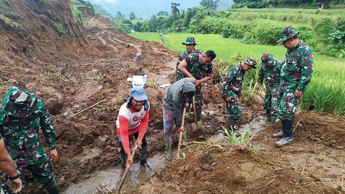 TMMD Ke-108 di Tanah Datar, Satgas dan Masyarakat Benahi Jalan Alternatif Padangpanjang-Bukittinggi