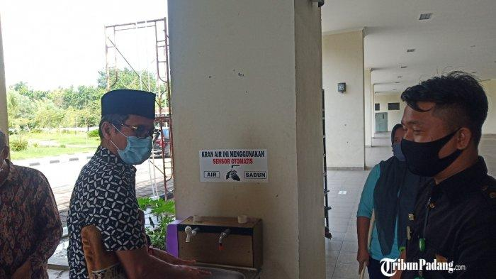 Salat Gerhana Matahari di Masjid Raya Sumbar, Gubernur Irwan Prayitno Hadir Sejak Pukul 14.30 WIB