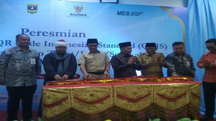 Gubernur Sumbar Resmikan Penggunaan QRIS Terima Zakat hingga Sedekah di Masjid dan Baznas Sumbar