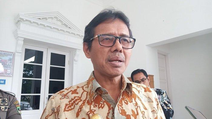 Gubernur Sumbar Minta Bupati Walikota Daerah Positif Corona SikapiMaklumat MUI Soal Salat Berjamaah