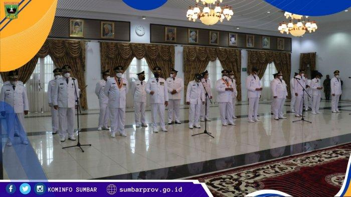 Gubernur Sumbar Lantik 11 Kepala Daerah, Pesan Tunaikan Janji dan Jaga Harmonisasi