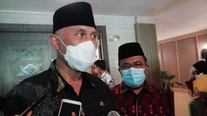 Gubernur Sumbar Mahyeldi saat ditemui di Hotel Pangeran Beach, Kamis (6/5/2021).
