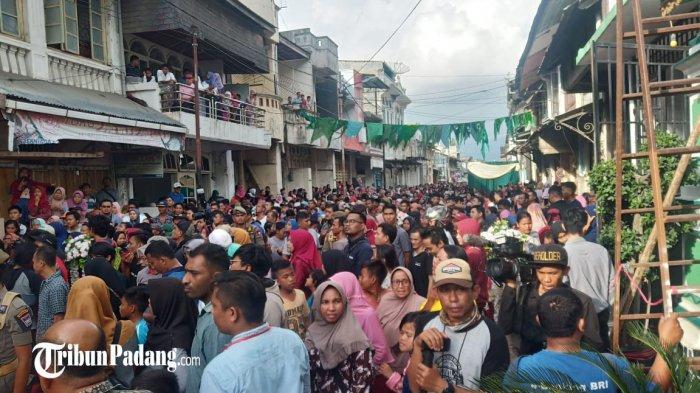 POPULER PADANG - Tradisi Serak Gulo di Masjid Muhammadan| Penyebab Hama Wereng Serang Padi