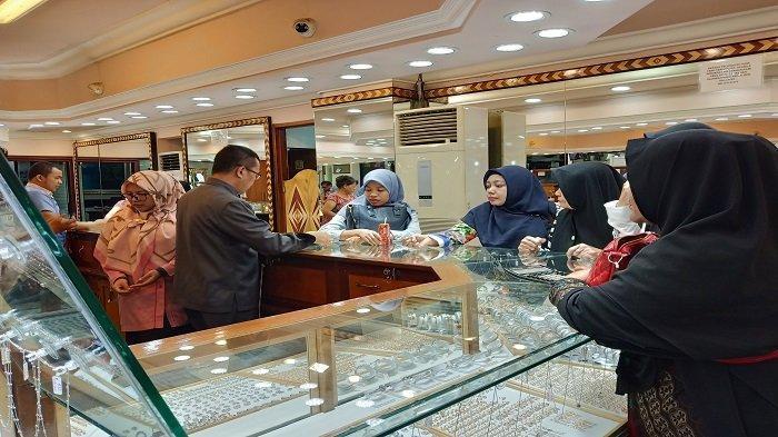 Harga Emas di Pegadaian Padang Hari Ini Selasa 25 Mei 2021, Emas Antam Naik Rp 1.000 Ribu Per Gram