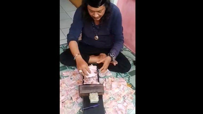 VIRAL Pria Gandakan Uang Pecahan Rp 100 Ribu, Polisi Lakukan Penyelidikan Ustaz Gondrong