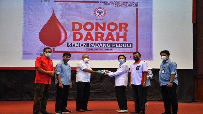 PT Semen Padang Kembali Gelar Donor Darah, PMI Padang: Stok Darah Menipis