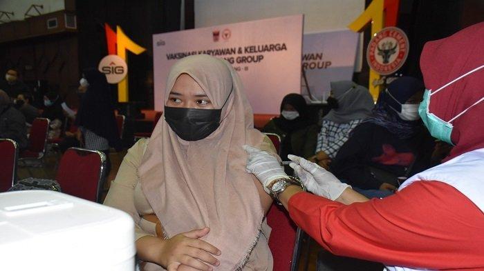 PT Semen Padang Lanjutkan Vaksinasi, Gelombang 3 Dosis 2 untuk Keluarga Karyawan