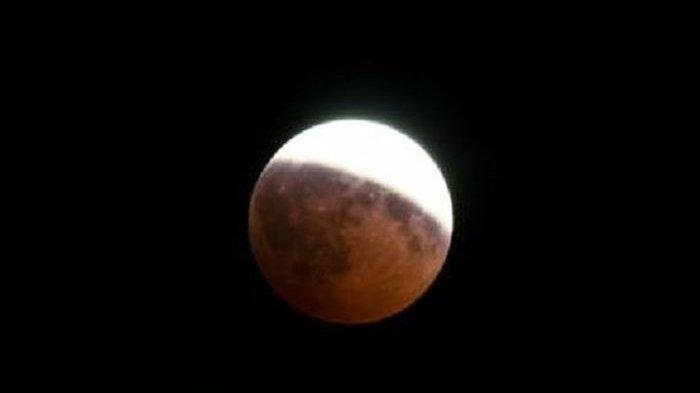 Beberapa Wilayah di Sumbar Dapat Langsung Menyaksikan Puncak Gerhana Bulan Total Pada 26 Mei 2021