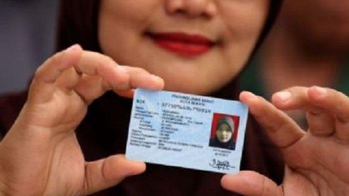 Selesai Ijab Kabul Pengantin di Padang Langsung Dapat Kartu Keluarga dan KTP Baru