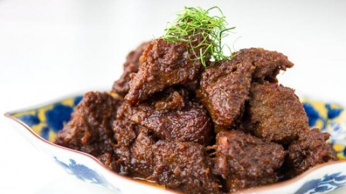 Resep Rendang Daging Sapi Asli Sumatera Barat Agar Banyak Bumbu dan Empuk