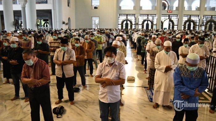 Syarat Pelaksanaan Salat Jumat Berjemaah di Padang, Tak Ada Kasus Positif Corona di Wilayah Masjid