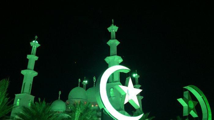 TRIBUNWIKI: Rekomendasi Masjid Megah yang Ada di Kota Padang