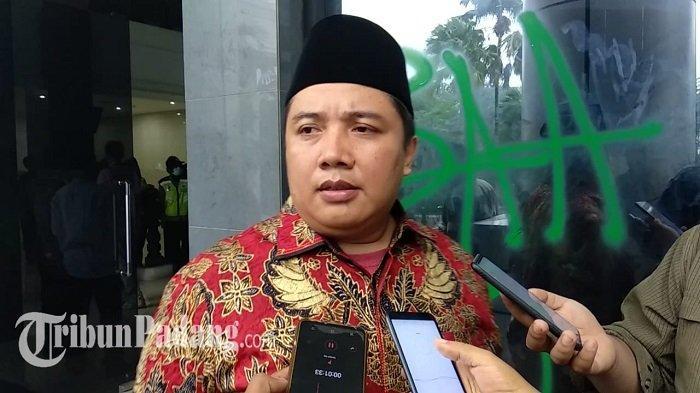 Aksi Demo di DPRD Sumbar Ricuh, Anggota Dewan Ini Ngaku Tas Berisi Paspor dan Dokumen Hilang