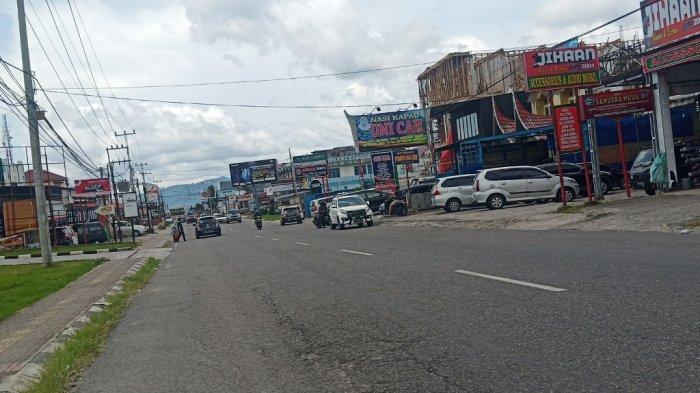 Hari Kedua Libur Panjang Arus Lalu Lintas di Jalan Raya Bukittinggi-Padang Ramai Lancar