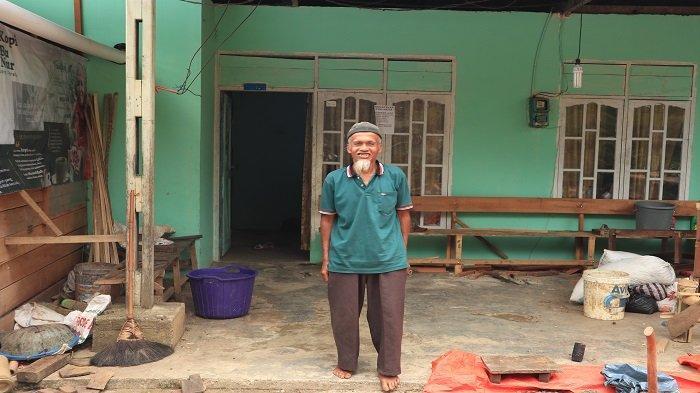 Menyelisik Kopi Buk Nur Aia Dingin Kabupaten Solok, Ketenangan Hidup Ada di Kopi