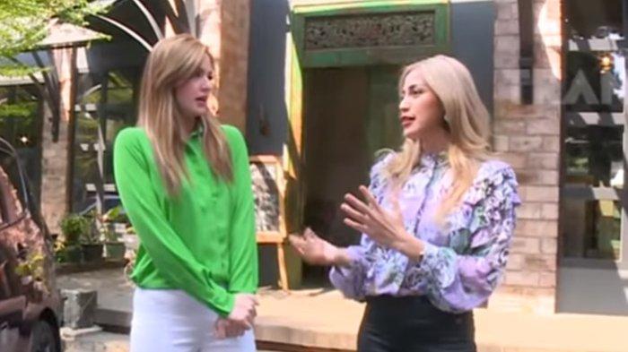 Jessica Iskandar dan Nia Ramadhani saat menjadi host Ngopi Dara yang tayang di Trans TV.