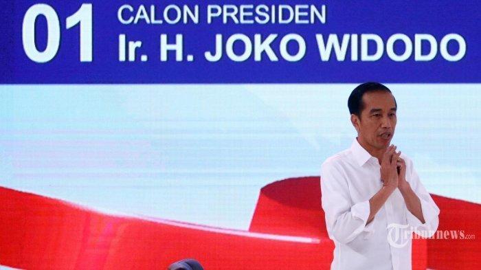 Dituduh Gunakan Alat Komunikasi saat Debat, Jokowi: Itu Fitnah