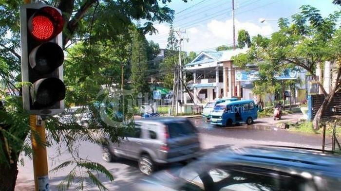 Mobil Ambulans, Damkar dan 5 Kendaraan Lainnya Prioritas di Jalan Raya, Boleh Terobos Lampu Merah