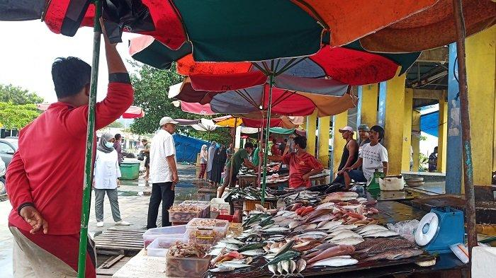 Harga Ikan Laut Stabil di Pasar Ikan Pantai Padang, Laris Terjual Tenggiri, Capa, Kakap, dan Kerapu